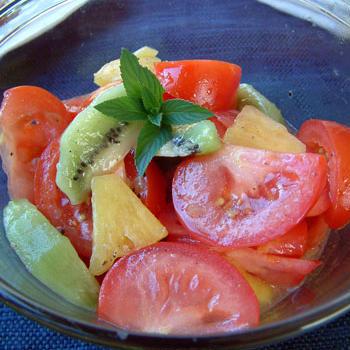 フルーティーなトマトサラダ