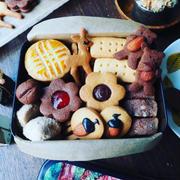 クッキーのサクサク感について❤️と、シンプルレトロなクッキーたちでクッキー缶❤️