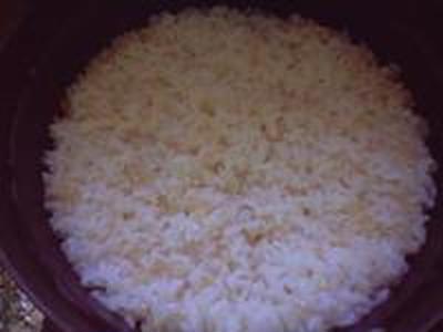 湯立てで白米(681)。。。茨城県産 奥久慈の棚田のコシヒカリ特別栽培米うまかっぺJA茨城みどり玄米(あいざわ米店)さて何でしょ???コシヒカリ白米(あいざわ米店)