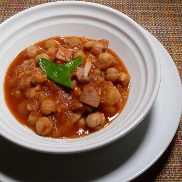 ケイジャンチリビーンズ、またはなんちゃってチリコンカン、またはベーコンとひよこ豆のトマト煮…