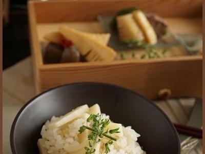 >白だしベースのタケノコご飯(レシピ) by little happyさん