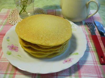 手作りパンケーキで朝ごパン♪