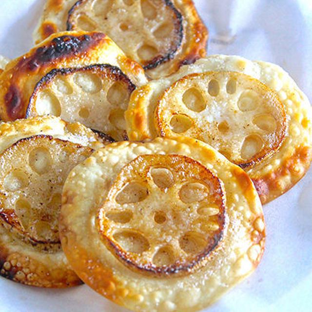 罪悪感のないスナック菓子!?パリパリ♪シャキもちっ♪『餃子の皮 de レンコンの塩バターチップス』《簡単*節約*おつまみ》
