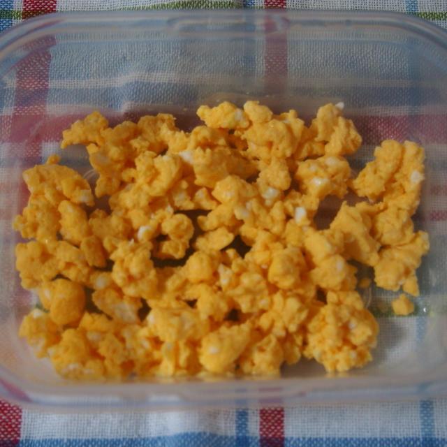 【作り方】レンジで簡単卵そぼろ(アレンジ:ねぎチーズ入り)