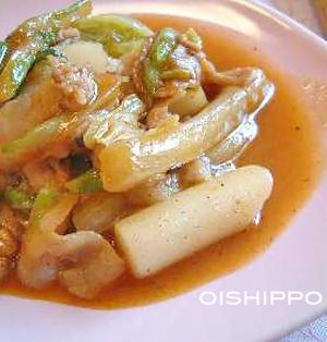 コチュジャンで温まる~豚バラと白菜のトッポギ