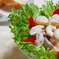マッシュルームと小海老のヨーグルトサラダ
