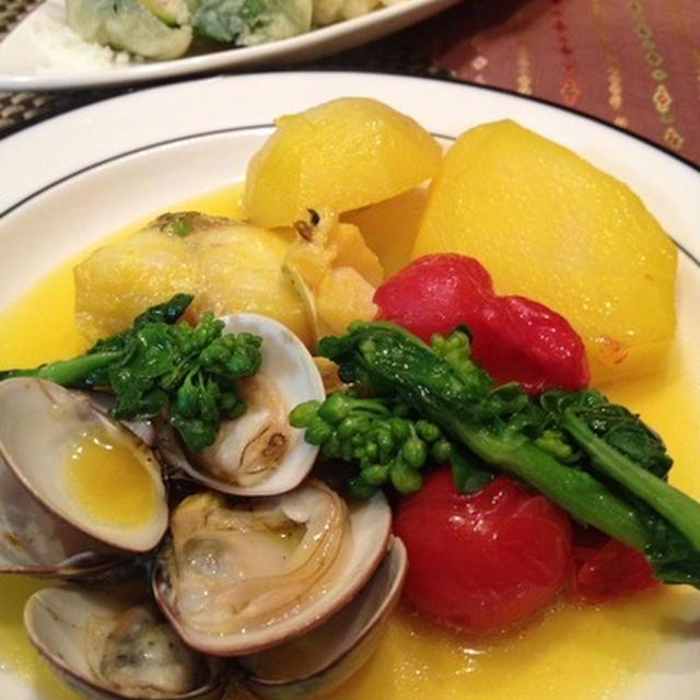 サフラン風味で、鱈とポテトのアクアパッツァ風。