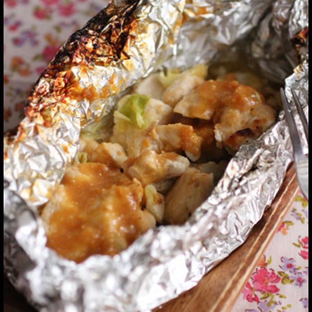 魚焼きグリルで簡単!鶏むね肉のガーリック味噌ホイル焼き