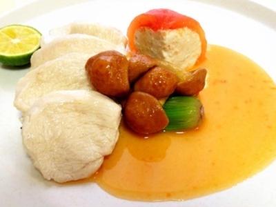 >鶏胸のポシェとトマトのファルシ by 小宮太郎さん