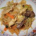 <白モツとハツと野菜炒め><にらキムチ餃子>
