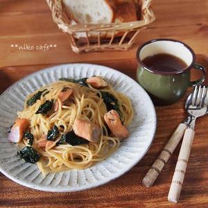 彩りキレイで栄養も豊富!鮭×ほうれん草のパスタレシピ