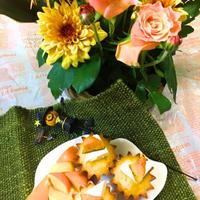 かぼちゃとクリームチーズのカップケーキ〜花と料理でハロウィンを楽しもう♪