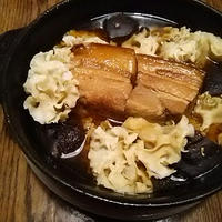 角煮と茸の鍋、カイエンペパー混ぜ卵で