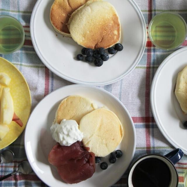 休日ブランチはスフレパンケーキ*余った卵白を活用しました^^