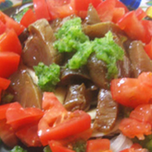 彩きれいなカツオの夏野菜サラダ