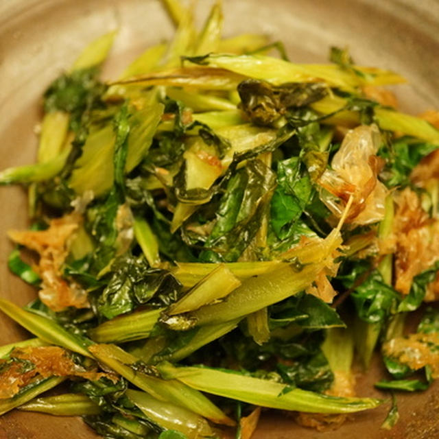 カリフラワーの葉っぱふりかけ & 鶏もも肉とたけのこの炒め物