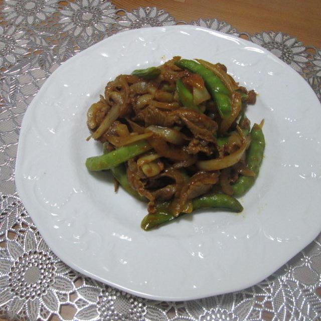 新たまねぎと砂糖えんどうで☆春野菜と豚肉のカレー風味炒め