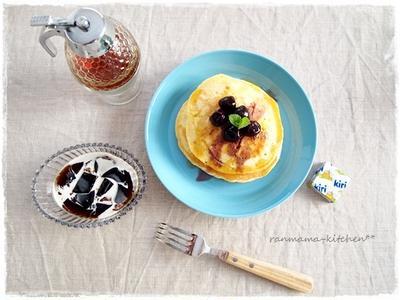 ホットケーキで朝ごパン。