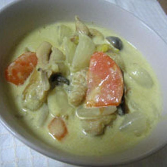 チキンと野菜のカレークリーム煮