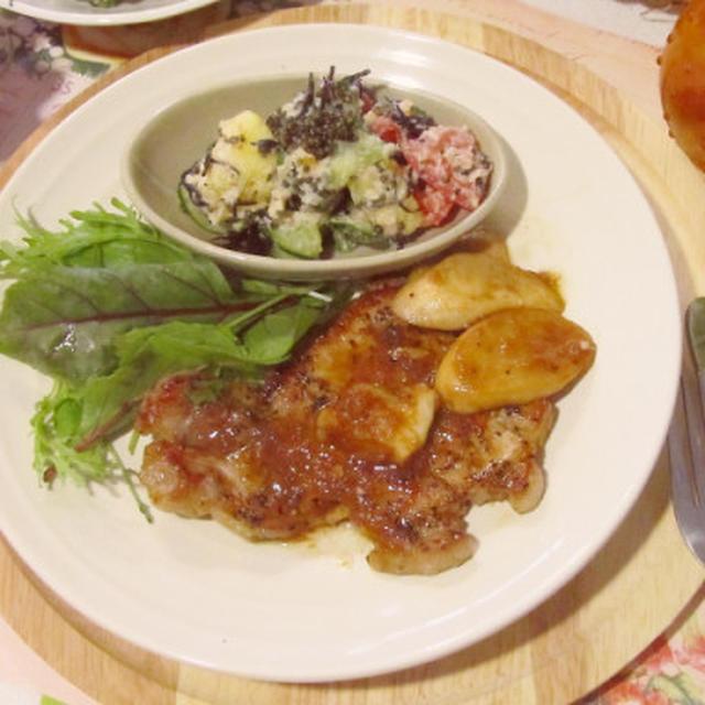 豚ロース肉のソテー☆ソース&ポン酢でさっぱり♡玉ねぎのすり煮