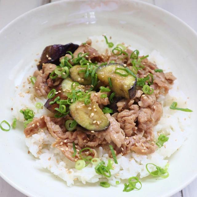 夏におすすめ!簡単レシピ *豚肉となすの味噌炒め丼*