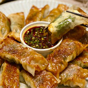 【レシピ】巻くだけ簡単♬豚こま大葉チーズ棒餃子♬