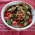 納豆とオクラ、トマトのネバネバ丼