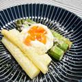 ふたつのアスパラと卵の前菜。お酒を使ってうまみをプラス、旬のおつまみ。