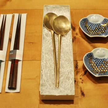 而今禾の(Jikonka)スッカラとamabroの豆皿