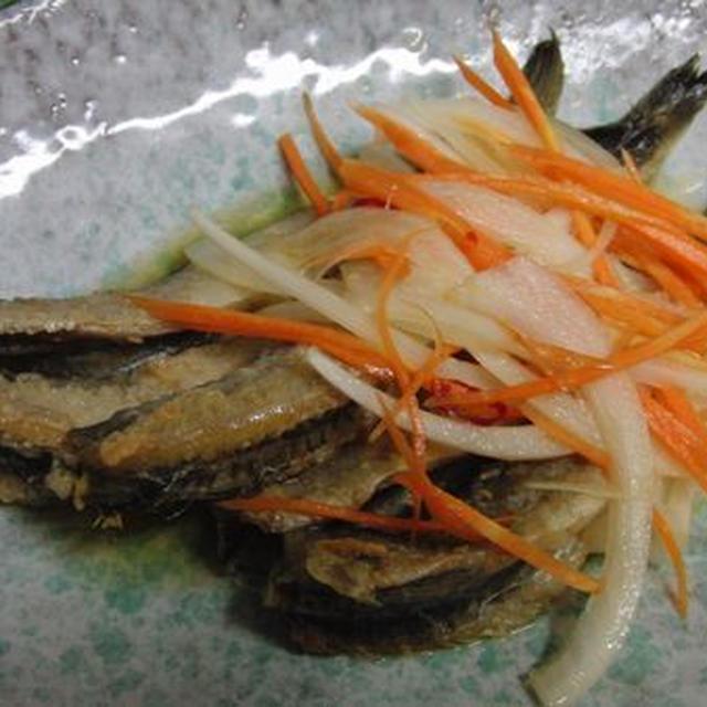 北海道土産いただきました~♪ 焼き一夜干し氷下魚の南蛮漬け