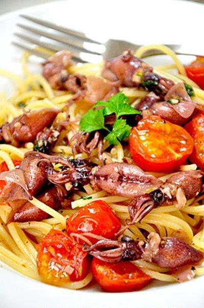 ホタルイカとトマトのペペロンチーノ