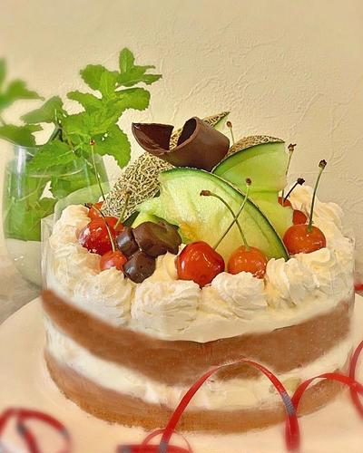 旬のメロンとさくらんぼで贅沢デコレーションケーキを作りました~♪♪