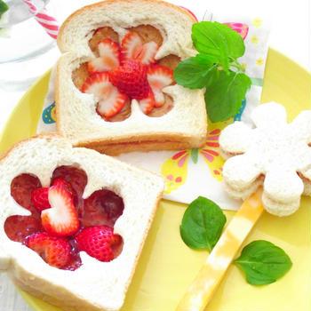 春のPB&J(ピーナッツバター&ジェリー)サンドイッチ