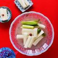 【オモニ直伝】水キムチの簡単レシピ。二日酔いや腸活に最適な韓国のトンチミの作り方