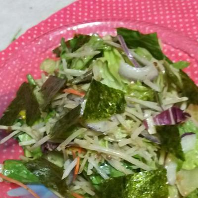 野菜サラダとゴマドレとあじのりで簡単サラダ❗