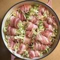 材料ふたつで簡単ごはん「春キャベツと豚肉のくるりん蒸し鍋」。