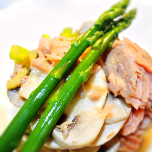 味噌漬け鮭とマッシュルームのサラダ、北海道風?