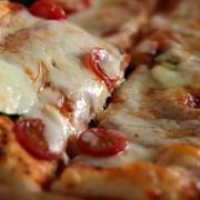 ちょっとふっくら♪四角いピザ