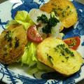 ガーリックトーストと春キャベツのサラダ by コットンさん