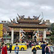 台湾屈指のパワースポット「龍山寺」と最終日の火鍋「鴛鴦鍋」