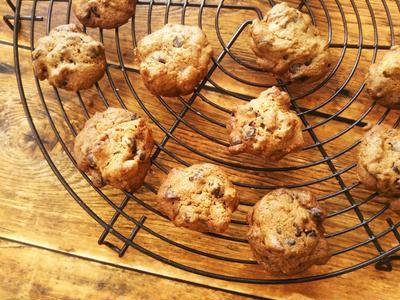 コーヒーとピーカンナッツのチョコチップクッキー