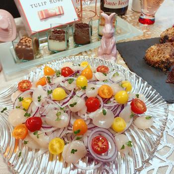 2色の玉ねぎで作る「カラフルおもてなしサラダ」♪