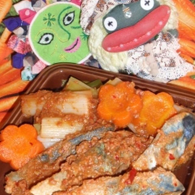 鯖のピリ辛味噌煮&エノキと海苔のピリ辛サラダ(お家カフェ)
