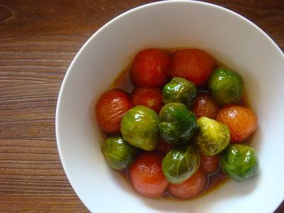 芽キャベツとミニトマトのハチミツポン酢マリネ