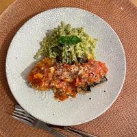 フレッシュトマトソースのヒレカツとムール貝