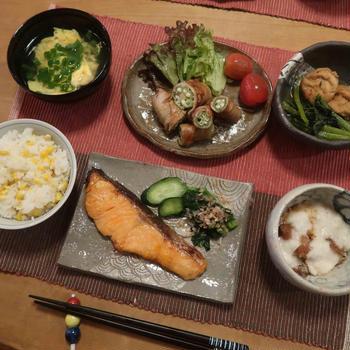 """鮭の西京焼と""""オクラキング""""とオクラの豚巻の晩ご飯と 西洋ニンジンボクの花♪"""