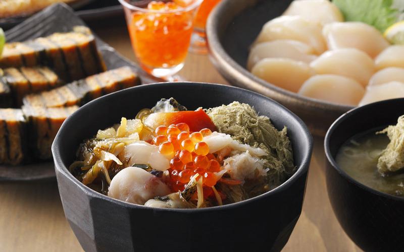 北海道の豪華海鮮がたっぷり7種入り。いくらにホタテ、イカの一夜干しなど、お父さんはお酒のつまみに、お...