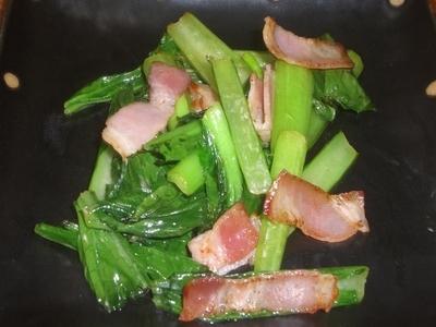 小松菜とベーコンのソテー