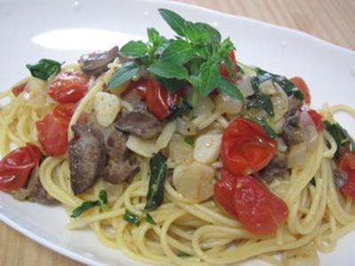 レバーとオレガノ、トマトのスパゲティ