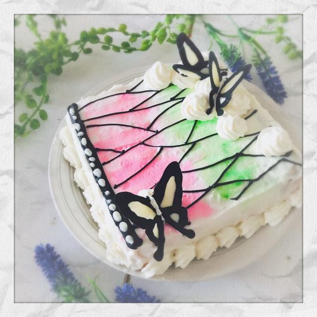 バレンタイン☆鬼滅の刃風、蝶のウォーターカラーケーキ